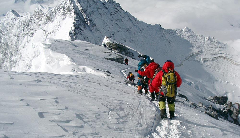¿Cuánto costará escalar el Everest en 2018?