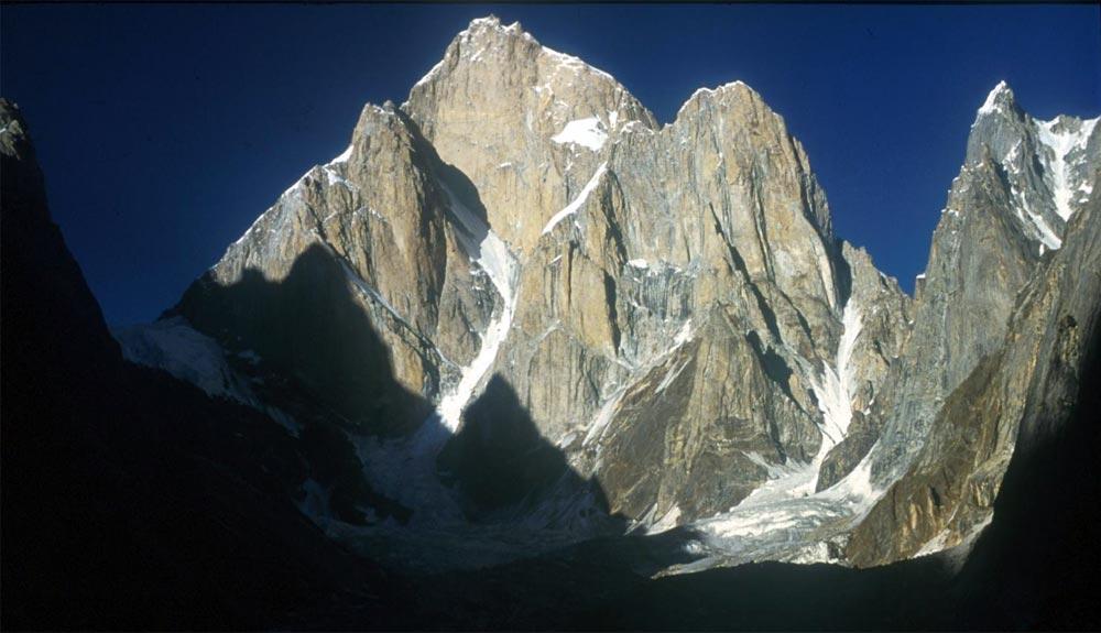 Sobreviviendo a la avalancha en el Latok I