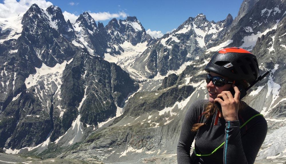 Tecnología satelital para los equipos de alpinismo de la FEDME