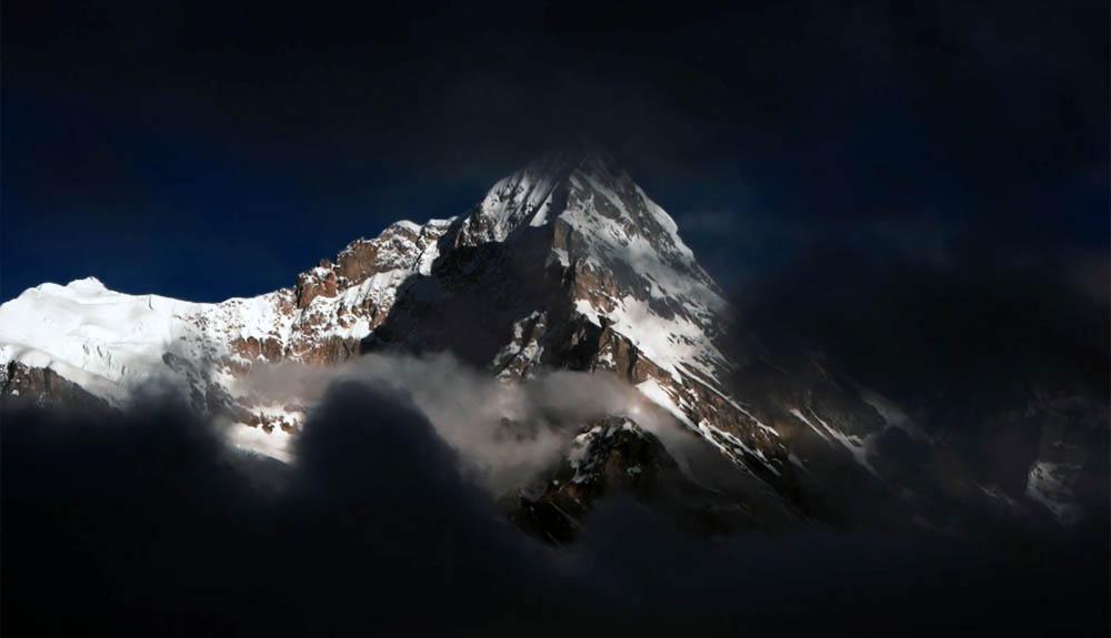 Escalar una cumbre virgen en el Himalaya indio