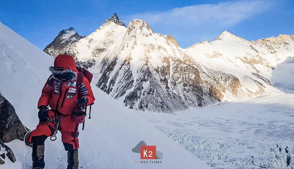 Alex Txikon vuelve a casa; el K2 deberá esperar
