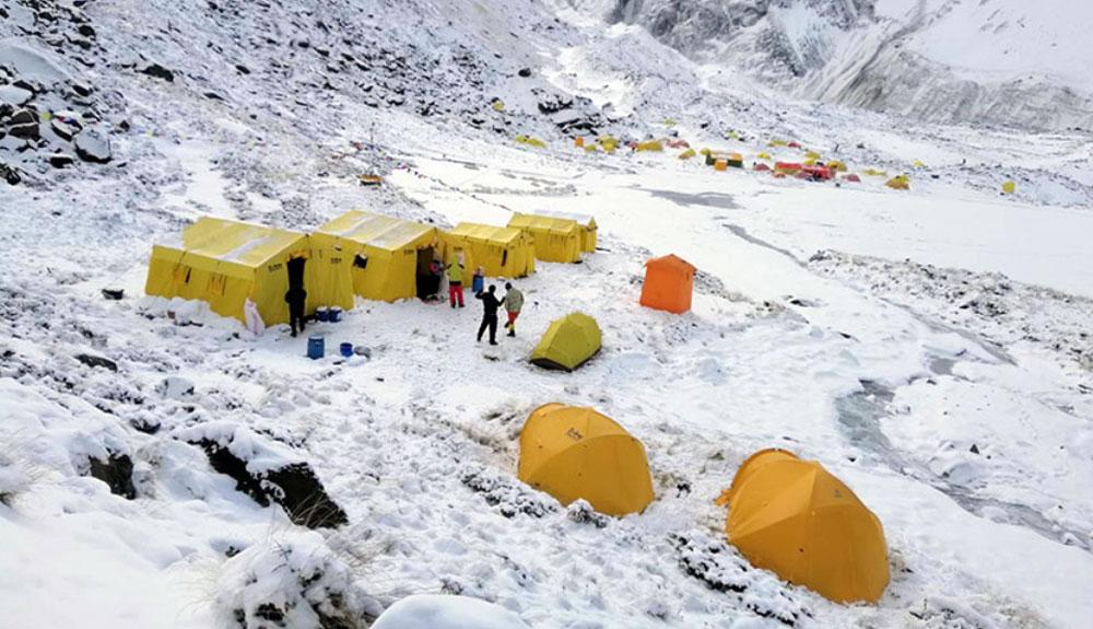 Un alpinista desaparecido en el Annapurna