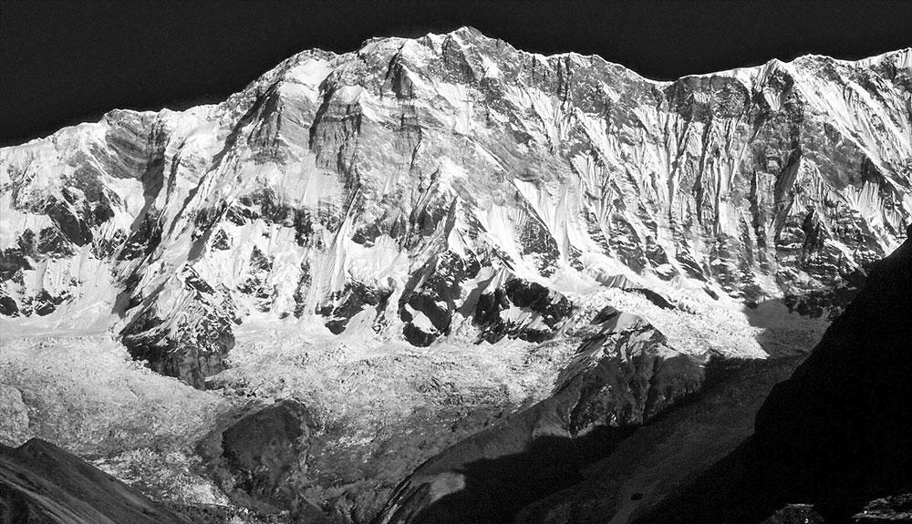 Operación de búsqueda en el Annapurna