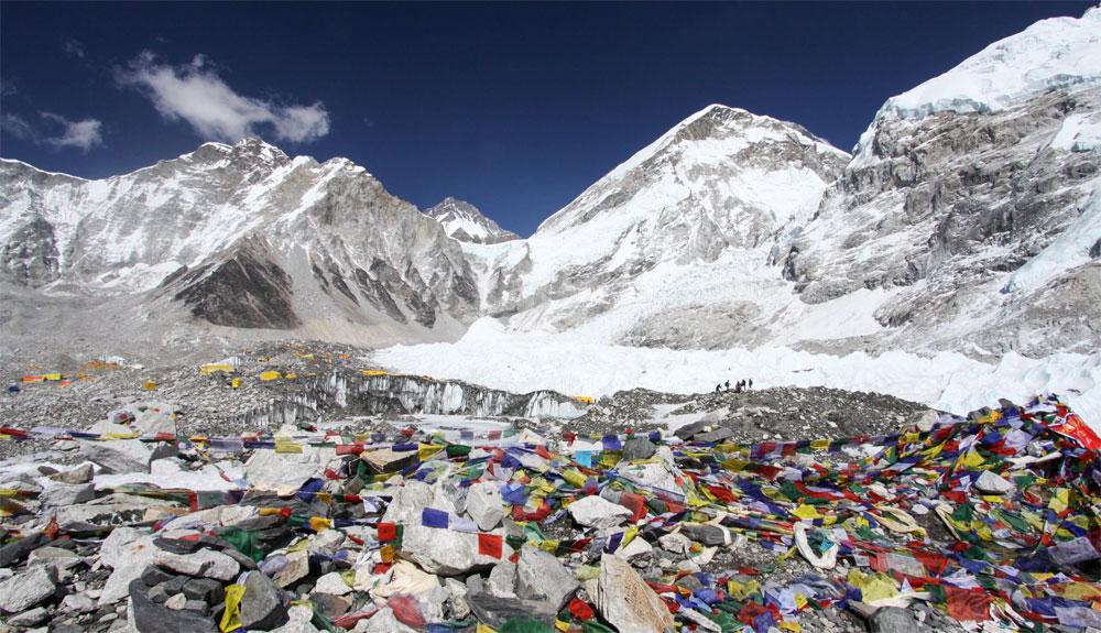 Se retiran 3.000 kg de basura en el Everest