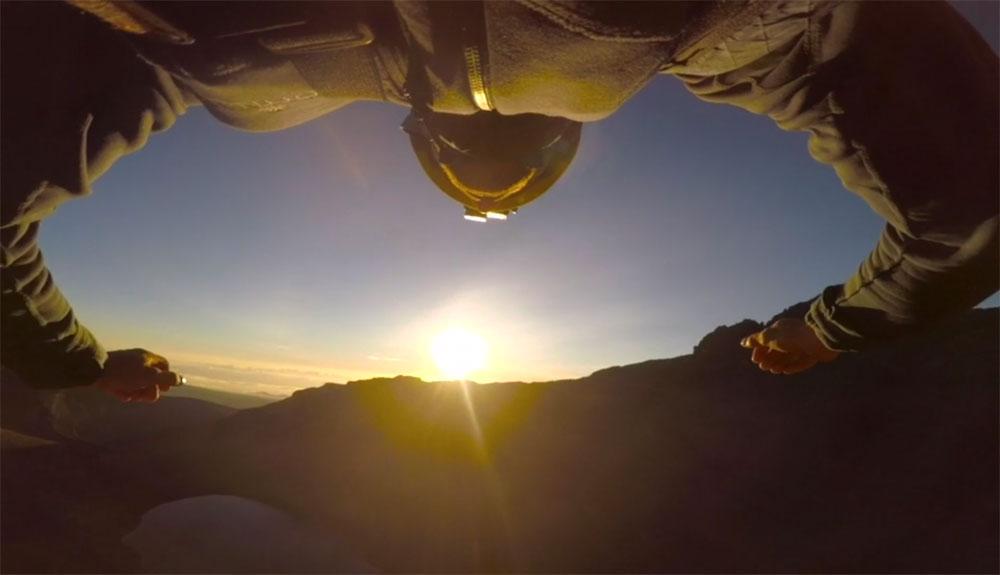 Salto BASE desde el Monte Kenia