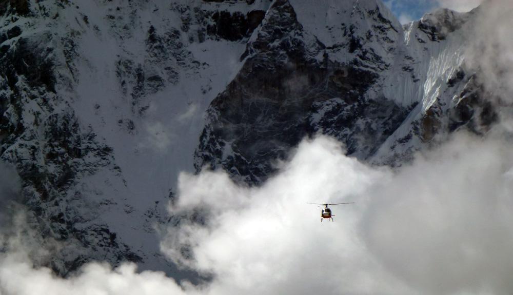 El Everest, en helicóptero
