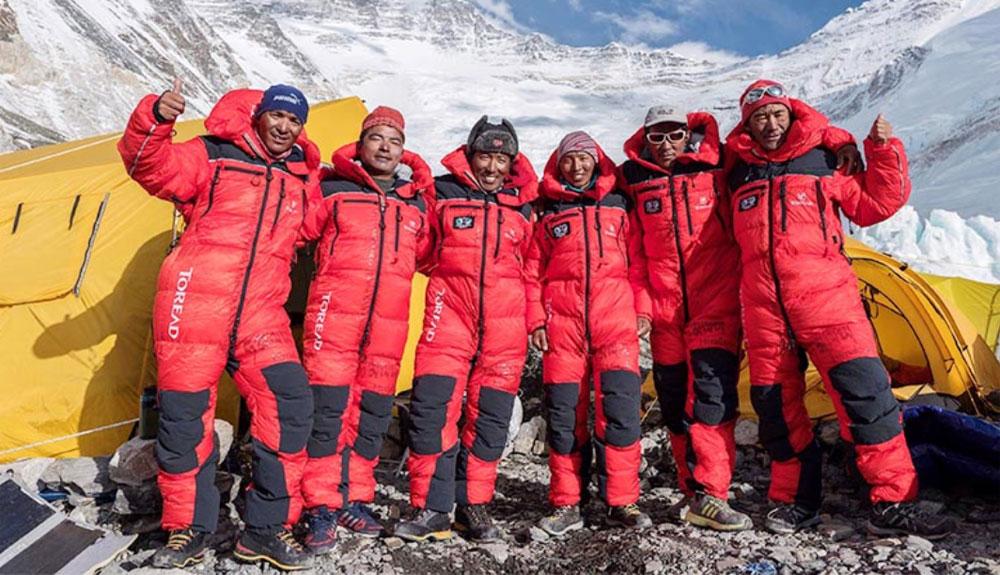 Una docena de cimas en el Lhotse... y un par de récords