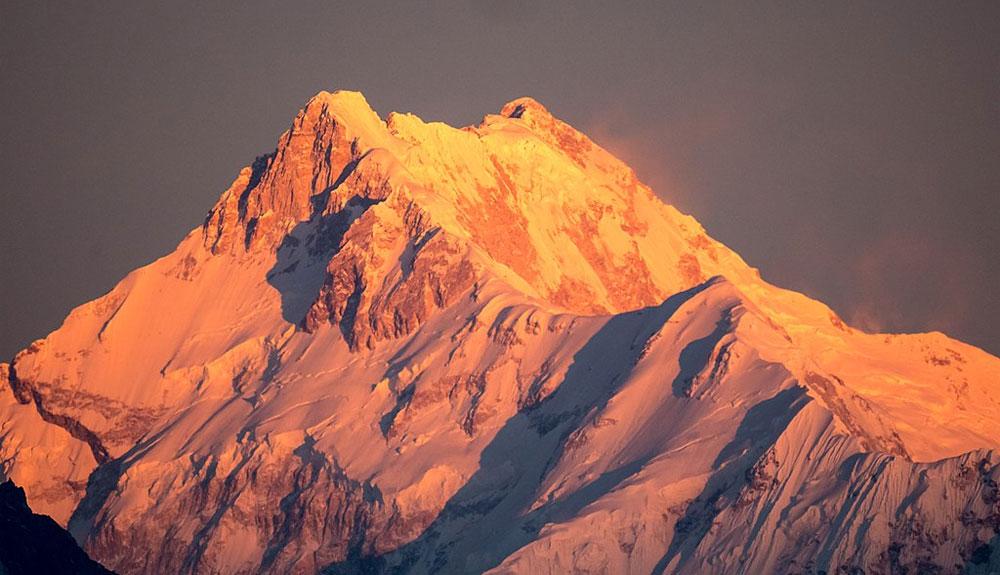 Cimas y problemas en el Kangchenjunga