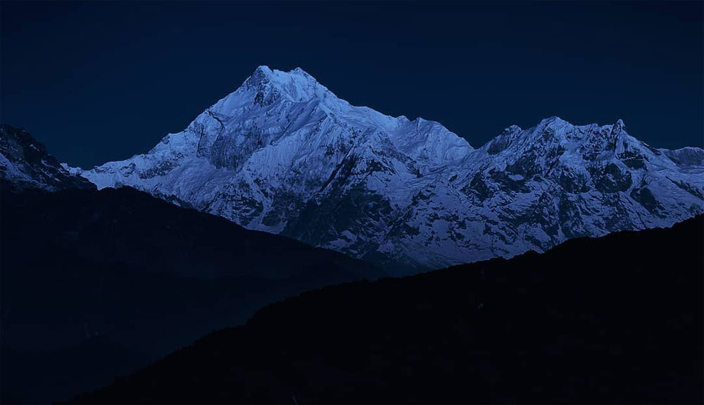 Tres alpinistas en situación crítica en el Kangchenjunga
