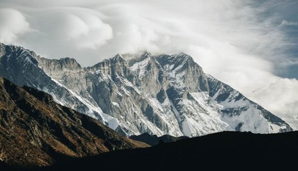 El equipo de Lhotse alcanza el C2 tras participar en un nuevo rescate