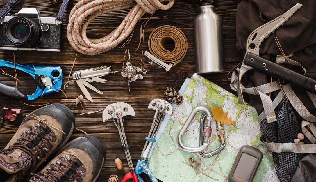 Compras esenciales para iniciarse en la montaña