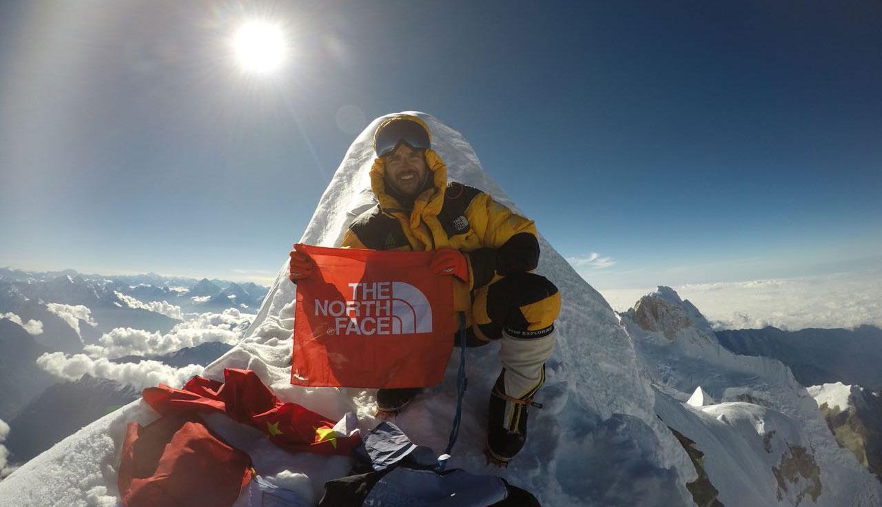Juan Pablo Mohr araña un pedazo de historia en el Everest