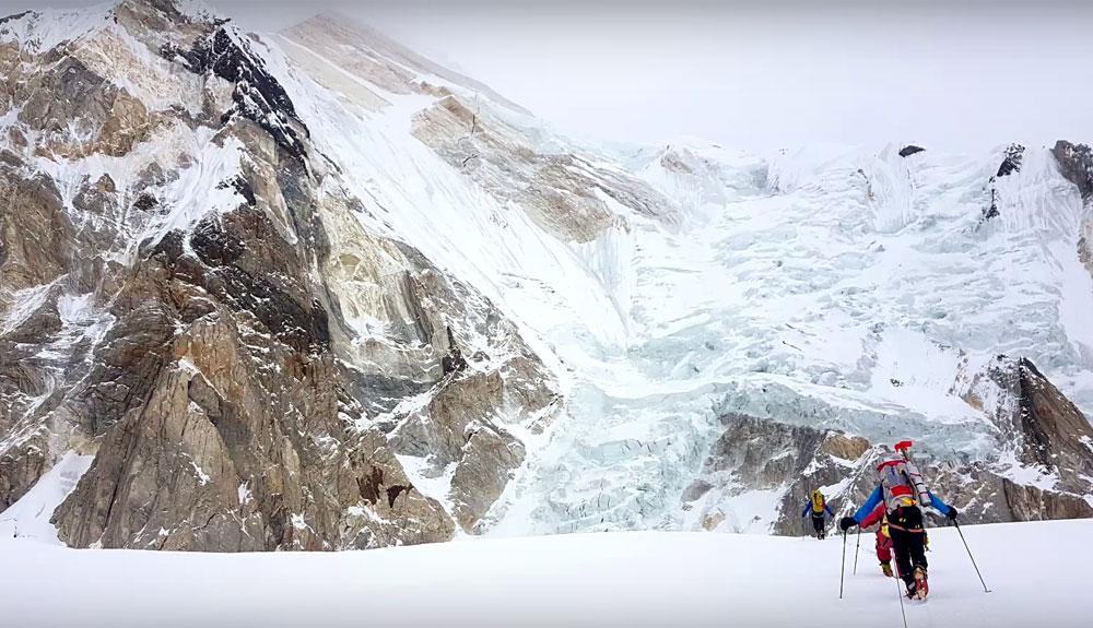 La invernal al  Khan Tengri, en vídeo