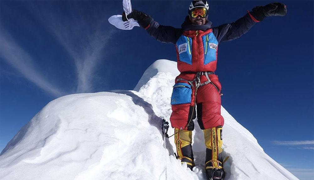 Sergi Mingote hace cima en el Gasherbrum II