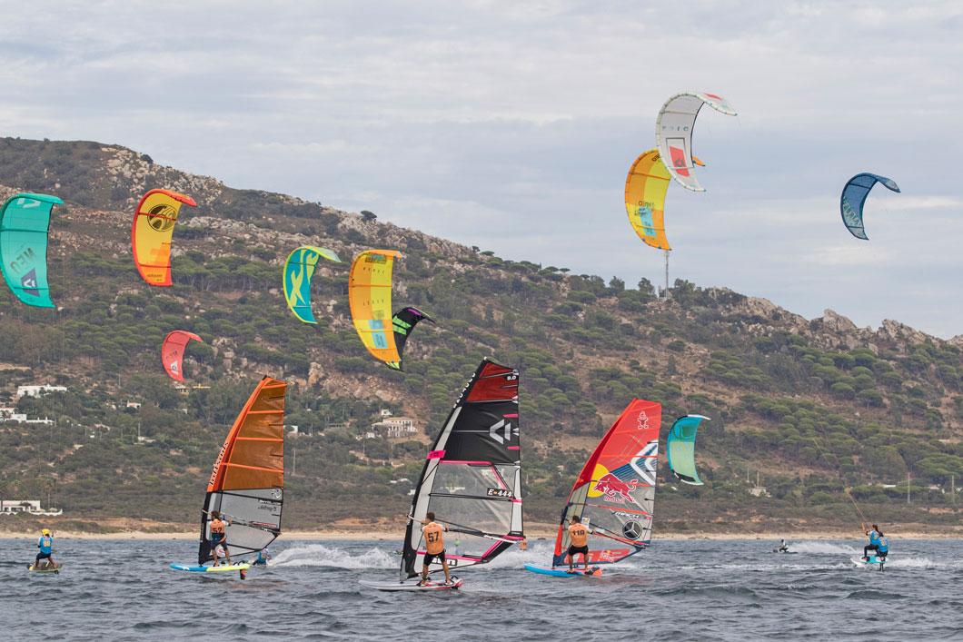 Windsurf VS Kite: ¿cuál es más rápido?