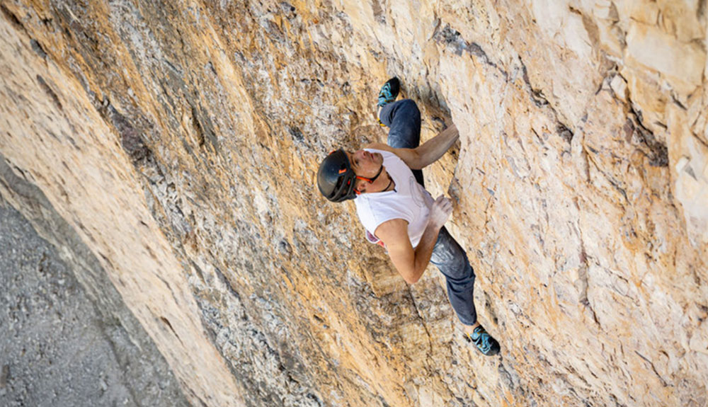 Dani Arnold, récord sin cuerda en la Cima Grande di Lavaredo