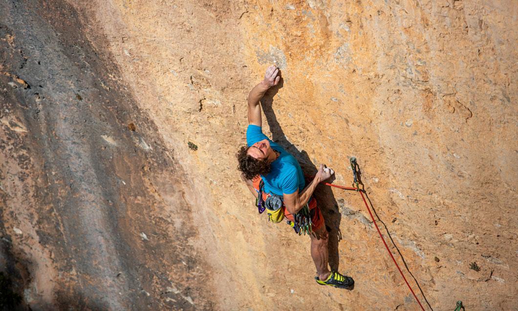 ¿Quieres escalar con James Pearson o Caroline Ciavidini?