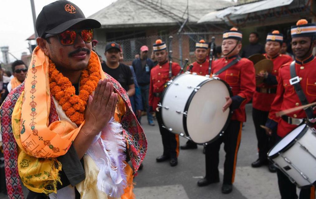 """Nirmal Purja: """"Hemos salvado vidas en la montaña"""""""