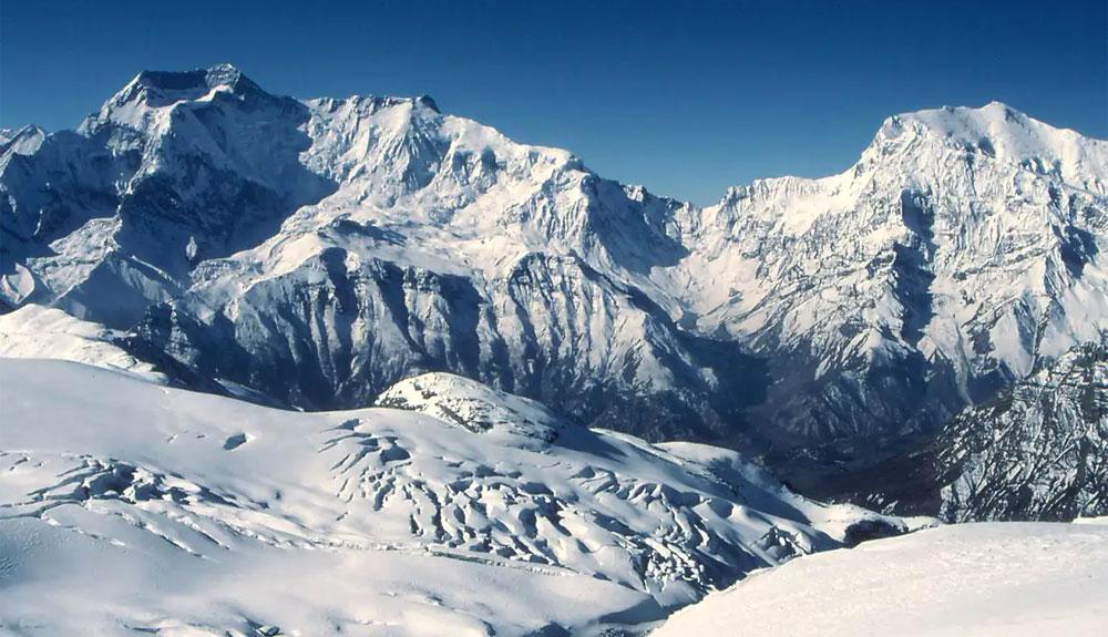 Seis desaparecidos por una avalancha cerca del Annapurna