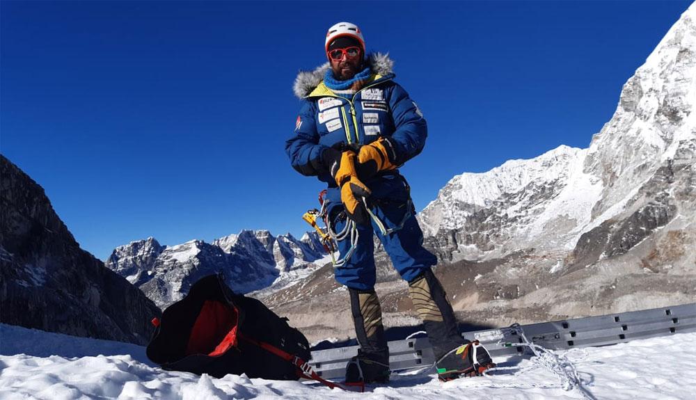 Ganas de acción en el Everest invernal