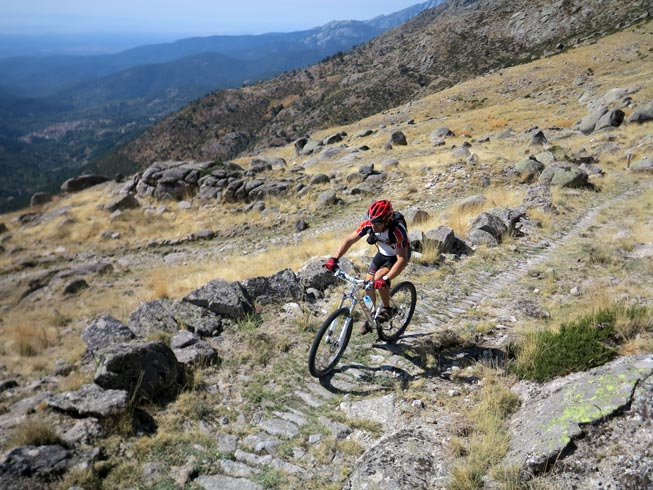 Puertos de Gredos en mountain bike